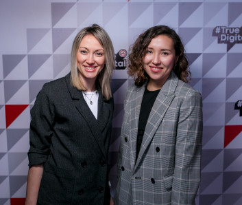 Дарья Мякишева и Мария Воропаева, LC Waikiki RU