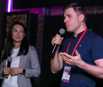 Екатерина Мандрова, Додо Пицца и Юрий Вайсман, Artics Internet Solutions