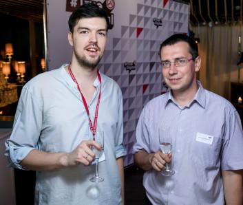Евгений Повх и Александр Дрожников пьют за #TrueDigital
